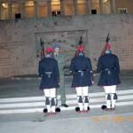 La relève de la garde devant le Parlement